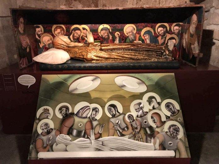 """""""Apócrifos. El Diocesano Ilustrado"""" . Reinterpretación de Linhart Foto de JJ SS"""